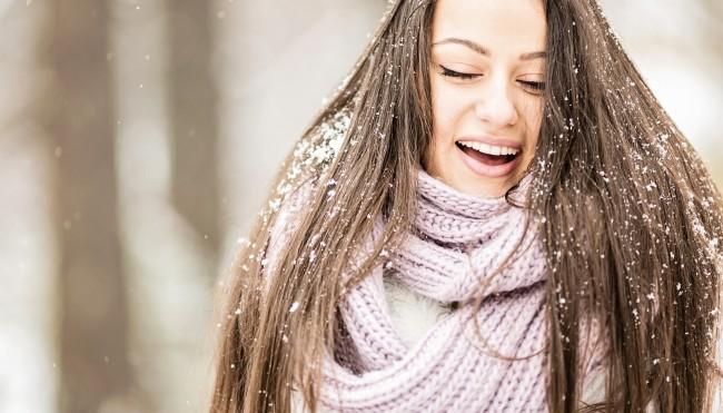 ultimative tipps gegen trockene kopfhaut gesunde kopfhaut auch im winter. Black Bedroom Furniture Sets. Home Design Ideas