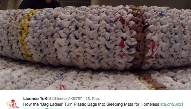 Aus Plastiktüten Diese Frauen Häkeln Matten Für Obdachlose
