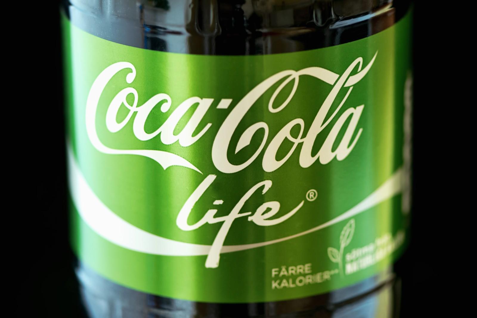 coca cola life Aufgrund meines artikels über coca cola life machte mich vassilios terzis von colaohnezuckerde auf eine andere cola mit stevia und ohne zucker aufmerksam: green golazeit für einen neuen produktest.