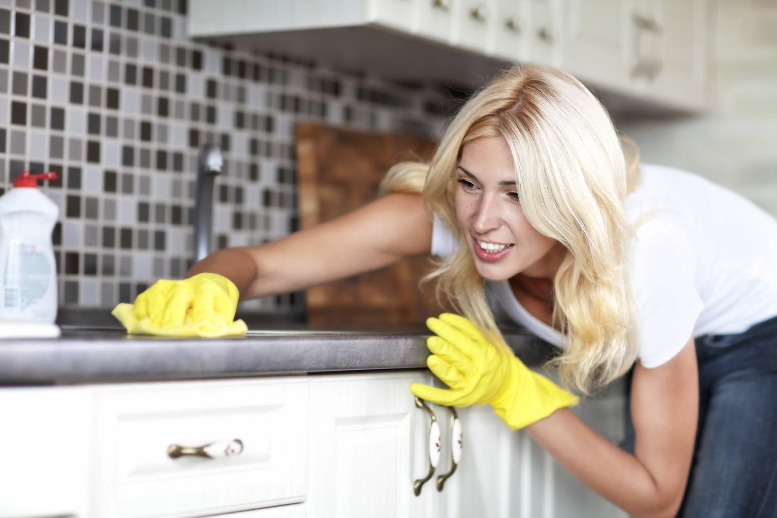 9 fehler die jeder beim putzen macht und wie du es besser machen kannst putz tipps. Black Bedroom Furniture Sets. Home Design Ideas