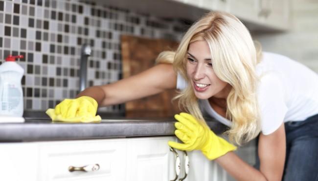 9 Fehler, die jeder beim Putzen macht (und wie du es besser machen ...