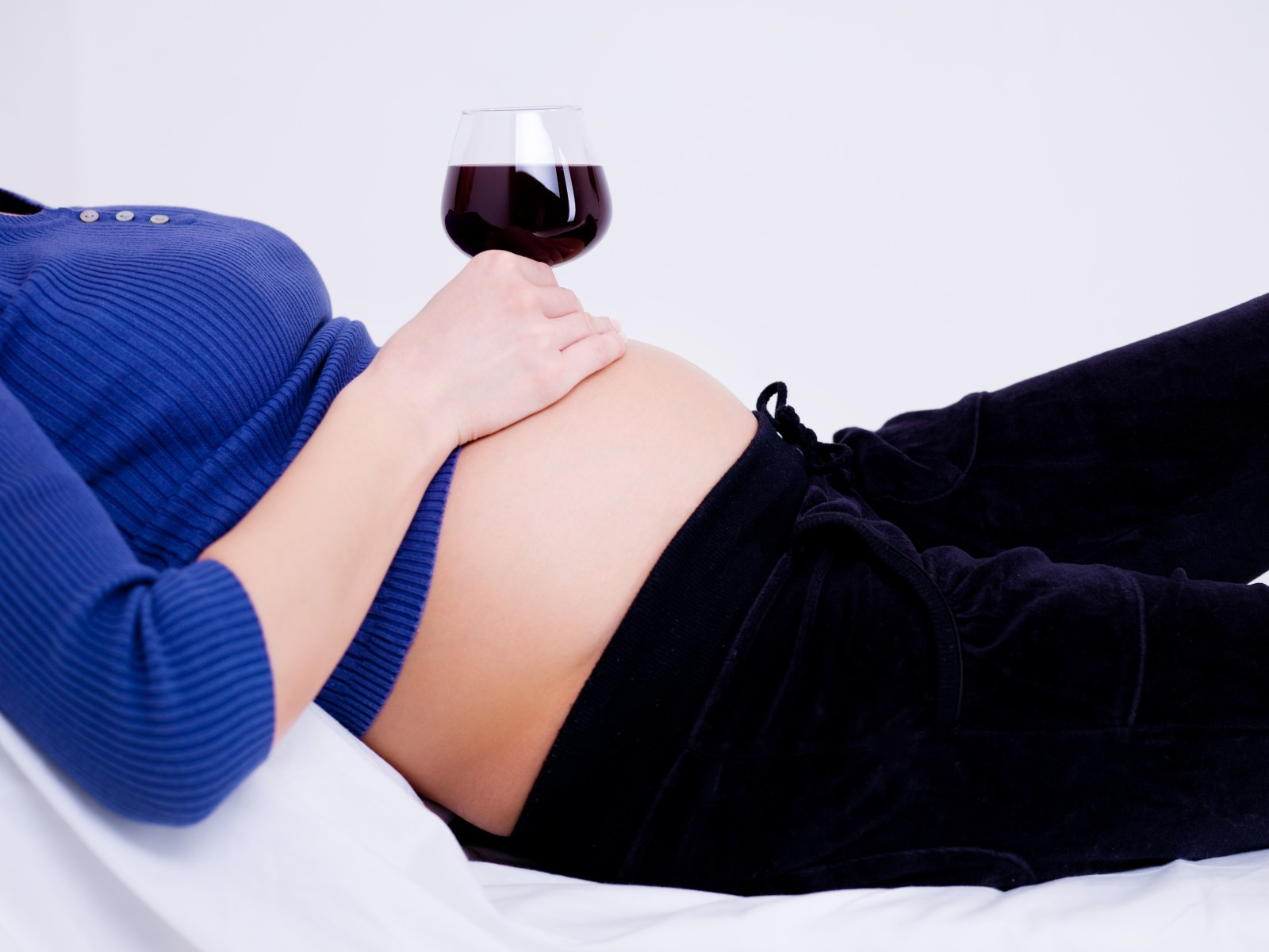 so gef hrlich ist alkohol w hrend der schwangerschaft wirklich gesundheit. Black Bedroom Furniture Sets. Home Design Ideas