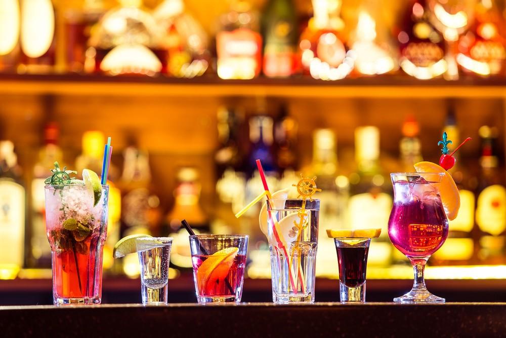 wie viele kalorien hat welcher alkohol cocktails sind dickmacher codecheck info. Black Bedroom Furniture Sets. Home Design Ideas