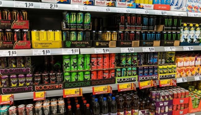 Getränke  Diese Getränke im Supermarkt enthalten den meisten Zucker ...