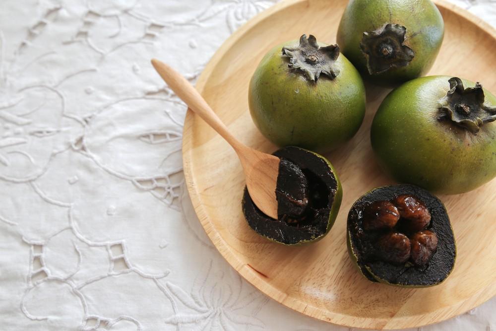 schwarze sapote diese frucht schmeckt nach schokolade kalorienarm naschen. Black Bedroom Furniture Sets. Home Design Ideas