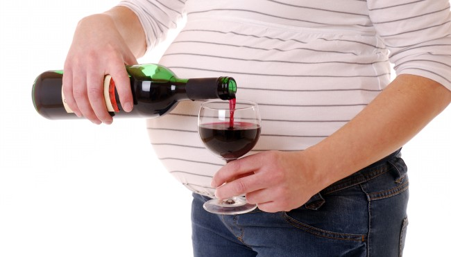 What Happens To A Baby If The Mother Drinks Alcohol